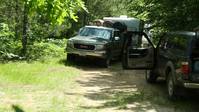Hound Truck with 3 Barrells of Bait